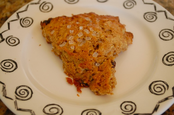 Oat and currant scones 1